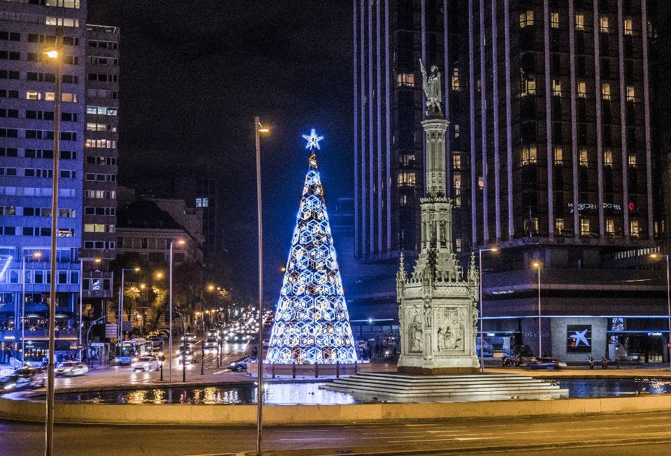 Árbol de Navidad 2016 - 2017 en la plaza de Colón