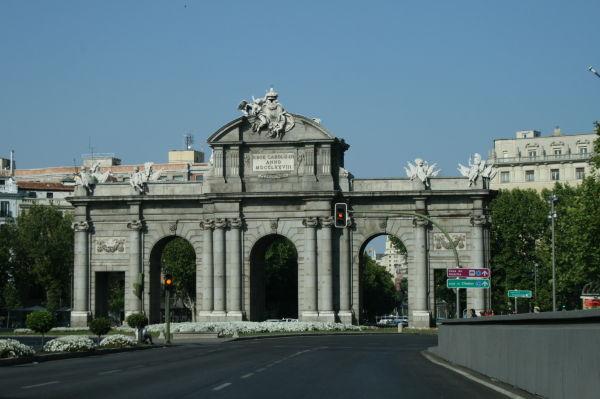 Vista de la Puerta de Alcalá de Madrid